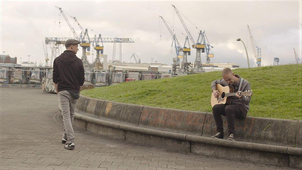 Das offizielle Musikvideo zu tomeque's Gute Nacht, St. Pauli ist ab sofort öffentlich